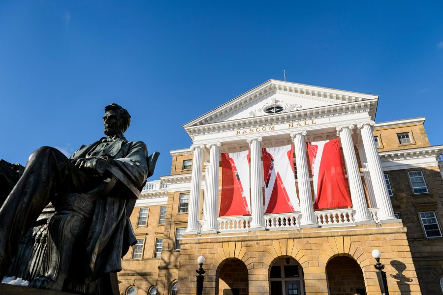 photo of Bascom Hall and Lincoln statue